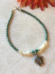 It's ankle bracelet season! I love the cute little sea turtle ! link to shop is in my bio Beach Jewelry, Diy Jewelry, Jewelry Gifts, Jewelry Bracelets, Handmade Jewelry, Jewelry Design, Ankle Jewelry, Ankle Bracelets, Feet Jewelry