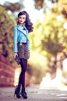 Fashion doll....I would totally wear this Barbie's outfit!
