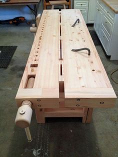 2014 Workbench Of The Month - Wood Vise Screw and Wooden Vise for Leg Vise, Wagon Vise, Shoulder Vise, Twin Screw Vise, Tail Vise and Face Vise for Wood Workbenches