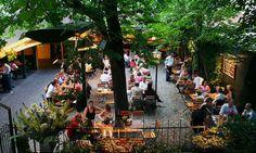Garden of restaurant Silberwirt Wiener Schnitzel, Vienna Restaurant, Vienna Woods, Bars And Clubs, World Cities, Budapest Hungary, European Travel, Garden Styles, Places To Travel