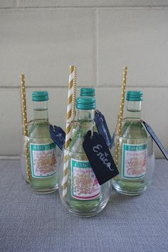 Gift Ideas for Hostesses & Girlfriends Fabulous hostess gifts for Christmas! Great Christmas gift ideas with these tips!Fabulous hostess gifts for Christmas! Great Christmas gift ideas with these tips! Christmas Gifts For Adults, Creative Christmas Gifts, Homemade Christmas Gifts, Homemade Gifts, Craft Gifts, Diy Gifts, Holiday Gifts, Christmas Diy, Holiday Drinks