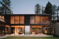 This fantastic Australian beach house blurs the indoor outdoor boundaries Norfolk Pine, Board Formed Concrete, Australian Beach, Sand And Water, Indoor Outdoor, Outdoor Decor, Window Wall, Water Features, House Tours