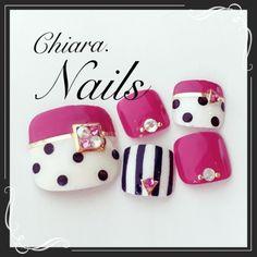 I love pink, polkadots and stripes! So Nails, Cute Toe Nails, Diva Nails, Feet Nails, Pedicure Nails, Pretty Nails, Pedicures, Pedicure Designs, Simple Nail Art Designs