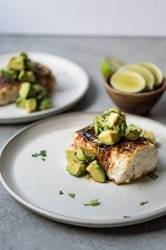 Spice Roasted Halibut w- Avocado Salsa. Don't you feel like it's hard to find really good, simple and delicious fish recipes? Search no more, this Spice Roasted Halibut with Avocado Salsa is LEGIT! Easy Healthy Dinners, Easy Dinner Recipes, Healthy Recipes, Dinner Healthy, Summer Recipes, Dinner Ideas, Paleo Meals, Keto Recipes, Vegetarian Recipes