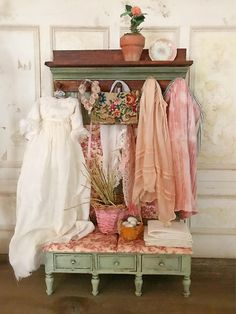 Country Pink Clothing Wall Unit Rack/Bench 1:12 Dollhouse