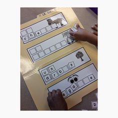 Primary French Immersion Resources: Reading sound centres