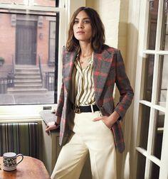Alexa Chung - chemise Sandro INSTYLE USA http://fr.sandro-paris.com/fr/femme/collection-ete/chemise-a-rayures-epaisses/C10756E.html?dwvar_C10756E_color=55#start=1