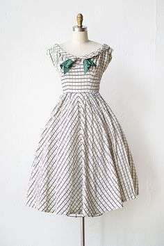 vintage 1950s white graph print party dress