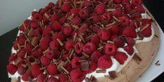 Cokoladna Pavlova s malinama — Coolinarika