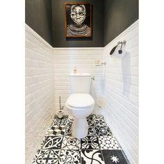 #toilet #toilets #toilettes #déco #interiordesign #instadéco #blogdeco #décoration #interior4you #interiores #interiør #homedesigner #decorationdinterieur #instadeco #interiordesigner #interiorinspiration #instahome #instadesign #decorinspiration #interiorinspo #designideas #interiordecoration #Tiles #Carrelage #Tile #Tileaddiction #Tilecrush #Ceramictile #Ceramictiles #africanphotography by veronique_75