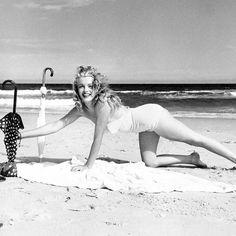 "honey–rider: ""Marilyn Monroe photographed by Andre de Dienes """