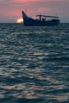 Sunset at Kappad Beach, #Kerala, India