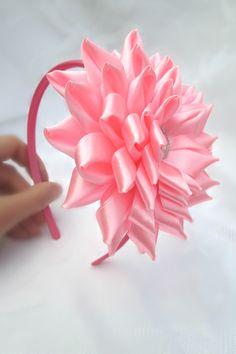 Kanzashi Flower Flower Headbandpink flower por RibbonAndCrystals