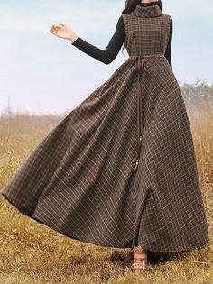Plaid Vintage Turtleneck Sleeveless Turtleneck Long Dress - Plaid Vintage Turtleneck Sleeveless Turtleneck Long Dress Source by - Vintage Dresses Online, Vintage Outfits, Vintage Fashion, Dress Vintage, Vintage Clothing, Unique Clothing, Vintage Floral, Unique Fashion, Muslim Fashion
