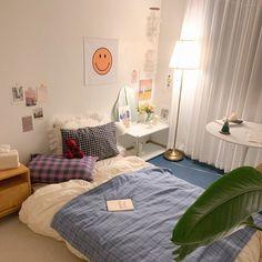 Room Design Bedroom, Room Ideas Bedroom, Small Room Bedroom, Bedroom Decor, Korean Bedroom Ideas, Study Room Decor, Pastel Room, Minimalist Room, Pretty Room