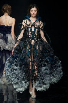 Yiqing Yin Couture Fall 2012   Trendland: Fashion Blog & Trend Magazine
