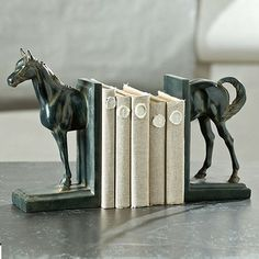 horse bookends (I'm pretty sure I could make something like this for cheap)