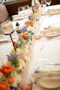 schlichte maritime Tischdeko zur Hochzeit im maritimen Stil (www.noni-mode.de - Foto: Anna und Alfred Fotografie)
