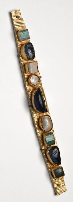 A gold elaborate diadem, with nine semi precious stones, Roman, ca 300 A.D.