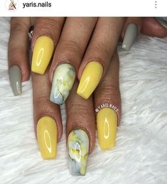 This yellow and grey polish with marble accent is really nice for summer #nailart #nails