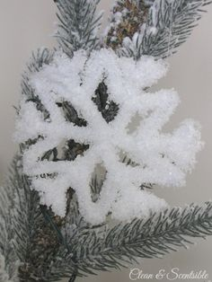 Frosted Pipe Cleaner Snowflake Ornaments