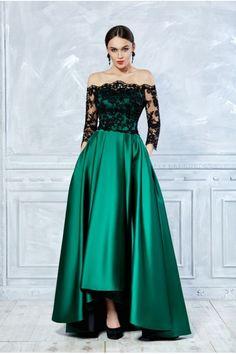 Fraida Simple Dresses, Elegant Dresses, Pretty Dresses, Beautiful Dresses, Casual Dresses, Fashion Dresses, Formal Dresses, Indian Wedding Gowns, Evening Dresses