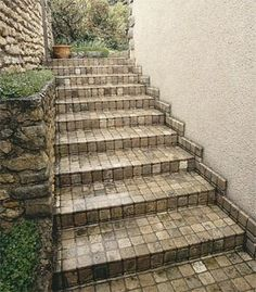 Best Outdoor Stair Treads Steps On Slopes Pinterest 400 x 300
