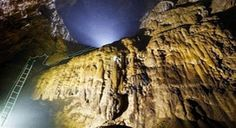 """Son Doong Cave in Vietnam will have a new route since 2018 with the duration of 4 days 3 nights reserved for travelers who want to conquer it. This new itinerary will take visitors on foot through the world's largest cave by passing through the """"Wall of Vietnam"""" to exit through the back door…"""