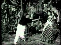 Old Song Download, Vinod Khanna, Film Song, Romantic Songs, Beautiful Little Girls, Bollywood Actors, Film Industry, Love Songs, Classic