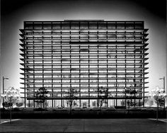 An exhibit at the National Building Museum explores the extraordinary modern history of Los Angeles. Late Modernism, National Building Museum, Water Powers, Architectural Photographers, Building Facade, Urban Planning, Pent House, Modern Architecture, Museum Architecture