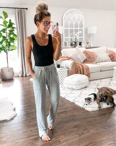 22 Cute and Comfy Pajama Sets You will Never want to Take Off Cute Lounge Outfits, Cute Lazy Outfits, Casual Outfits, Cozy Outfits, Look Fashion, Fashion Outfits, Classy Fashion, 80s Fashion, Winter Fashion