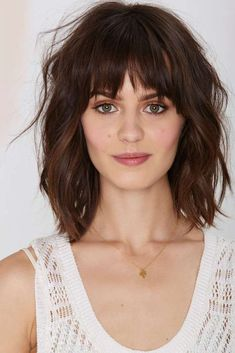 Pony und schulterlanges Haar Pony and shoulder-length hair Medium Length Hairstyles, Layered Hairstyles, Trendy Hairstyles, Short Hairstyles With Bangs, Square Face Hairstyles, Hairstyles For Over 40, Hairstyles For Medium Length Hair With Bangs, Choppy Bob Hairstyles Messy Lob, Middle Hairstyles