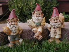 Google Image Result for http://i52.photobucket.com/albums/g17/fcdminc/Gnome%2520Blog%2520Pics/GnomeScaping/Treasure%2520Chest/TreausreChestGnomes.jpg
