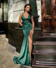 Green Gown, Gowns, Formal Dresses, Style, Fashion, Green Dress, Vestidos, Dresses For Formal, Swag