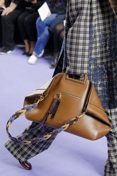 Mulberry Autumn/Winter 2017 Ready to Wear Details | British Vogue