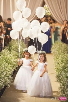 flower girl dress, alternatives to flower girls,. flower girl ideas, balloons at weddings Wedding With Kids, Perfect Wedding, Our Wedding, Dream Wedding, Party Wedding, Wedding Things, Wedding Stuff, Wedding Ideas, Wedding Bouquets