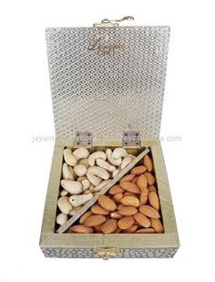 Source Antique FLOWER designed Wooden Handmade Wedding Box / Indian Gift Box on m.alibaba.com Marriage Box, Marriage Gifts, Wedding Gift Boxes, Wedding Favors, Return Gifts Indian, Mithai Boxes, Dry Fruit Box, Indian Wedding Gifts, Antique Boxes