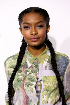 Yara Shahidi Posted the Most Powerful Message About the Election - and her hair is immense. Braids For Black Hair, Big Hair, Girl Hairstyles, Braided Hairstyles, Women's Curling, Bob Hair Color, Natural Hair Styles, Short Hair Styles, Natural Hair Loss Treatment
