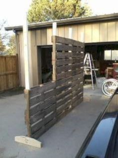 More ideas below: DIY Pallet fence Decoration Ideas How To Build A Pallet fence Wood Pallet fence Kids Garden Backyard Pallet fence For Dogs Small Horizontal Pallet fence Patio Painted Pallet fence For Goats Halloween Pallet fence Privacy Gate Pallett Wall, Wood Pallet Fence, Wooden Pallets, Pallet Room, Pallet Size, Deer Fence, Pallet Wall Decor, Fence Art, Bamboo Fence