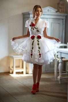 Mint a Mátka Kollekció 2017 - Bélavári Zita Couture Frilly Dresses, Pink Gowns, Sexy Dresses, Vintage Dresses, Short Dresses, Super Cute Dresses, Pretty Dresses, Beautiful Dresses, Maid Dress