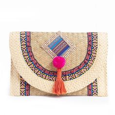 Straw and Textile Clutch Bag (2.430 RUB) ❤ liked on Polyvore featuring bags, handbags, clutches, beige clutches, straw clutches, beige purse, straw handbags and straw purse