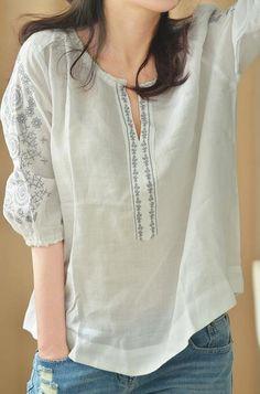 Brief elegant embroidered V neck Fifth sleeve shirt Fluid small fresh summer cotton linen women shirt.