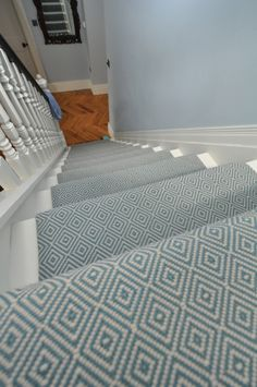 Pretty Painted Stairs Ideas to Inspire your Home stair carpet runner (stairs painted ideas) Tags: carpet stair treads, striped stair carpet, stair carpet ideas stair+carpet+ideas+staircase Grey Stair Carpet, Grey Carpet Bedroom, Carpet Stair Treads, Hallway Carpet, Blue Carpet, Striped Carpet Stairs, Hallway Flooring, White Carpet, Wool Carpet