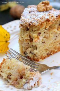 Dzisiaj mam dla Was przepis na świetne, dość słodkie jesienne ciasto z orzechami i jabłkami, z pyszną i bardzo chrupiącą skórką. Od r...