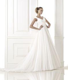 BELUGA » Wedding Dresses » 2015 Fashion Collection » Pronovias