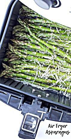 air fryer recipes Air Fryer Garlic Parmesan Asparagus is made with fresh garlic, Parmesan cheese, lemon juice, olive oil, salt and ground pepper in a short 10 minutes in the air fryer for an easy side dish you can do with any entree Air Fryer Recipes Potatoes, Air Fryer Dinner Recipes, Air Fryer Oven Recipes, Recipes Dinner, Potato Recipes, Soup Recipes, Dinner Ideas, Dessert Recipes, Air Fryer Chicken Tenders