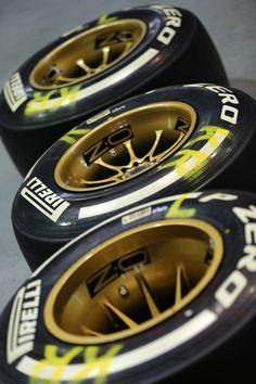 06/10/2013 - Korean GP - Lotus F1 Team - Kimi Raikkonen's OZ Racing wheels are ready to be set! #OZRACING