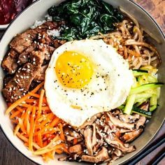 Authentic Bibimbap - How To Feed A Loon Asian Recipes, Beef Recipes, Cooking Recipes, Healthy Recipes, Ethnic Recipes, Cooking Time, Korean Dishes, Asian Cooking, Deserts