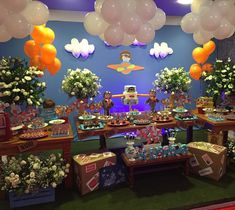 Festa infantil - tema aviador por Liz Busch Birthday Candles, Birthday Cake, Birthday Parties, Baby Shower Gender Reveal, Dessert Table, Party Themes, Candy, Table Decorations, Gabriel