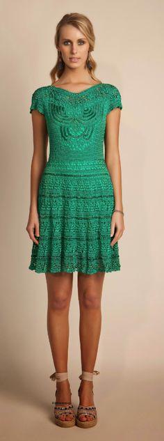Another stunning crochet dress from… Crochetemoda: Giovana Dias